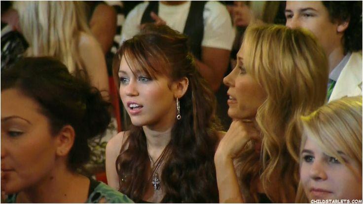 Miley live at Nick's Kids Choice Awards 2008