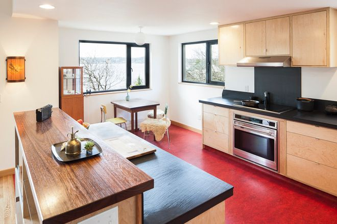 Modern Kitchen by Bicycle Homebuilding Company