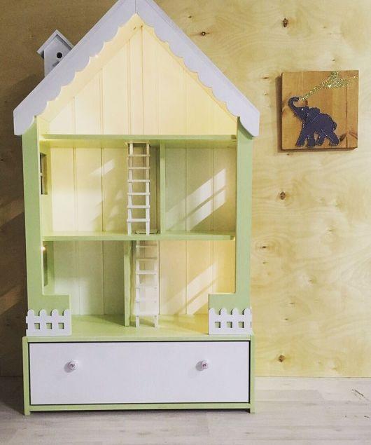 Кукольный дом ручной работы. Ярмарка Мастеров - ручная работа. Купить Кукольный домик-стеллаж с малым ящиком и лесенкой.. Handmade.