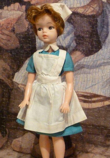Mijn tante droeg een dergelijk verpleegstersuniform.