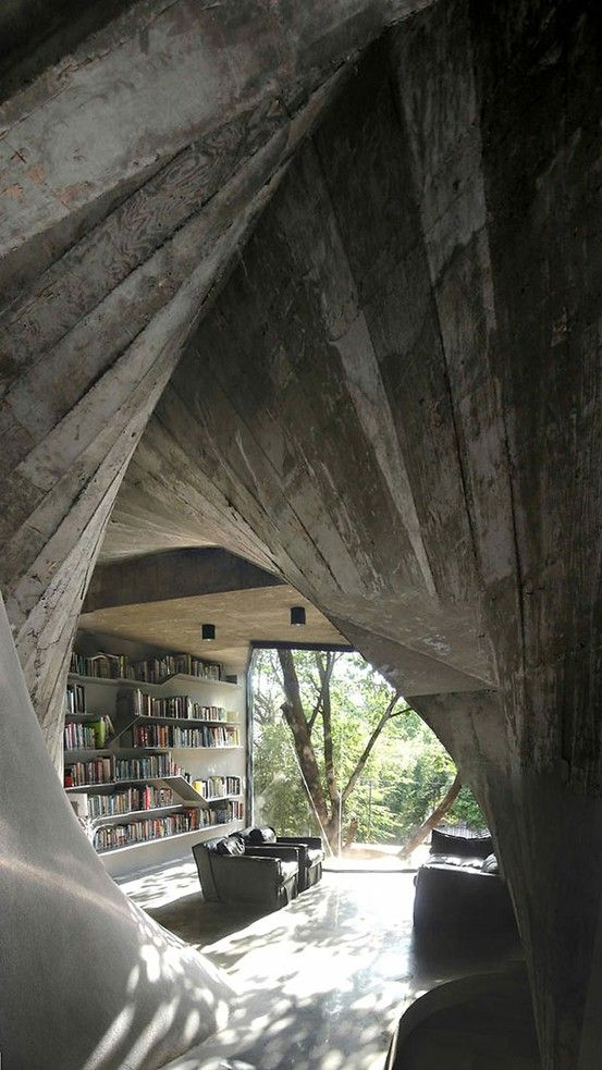 Twisting Shapes and a Surprising Interior Design: Tea House in Shanghai: by Carlisle