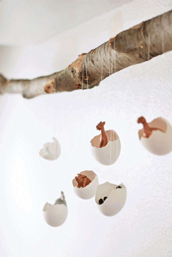 DIY Eggshell mobile