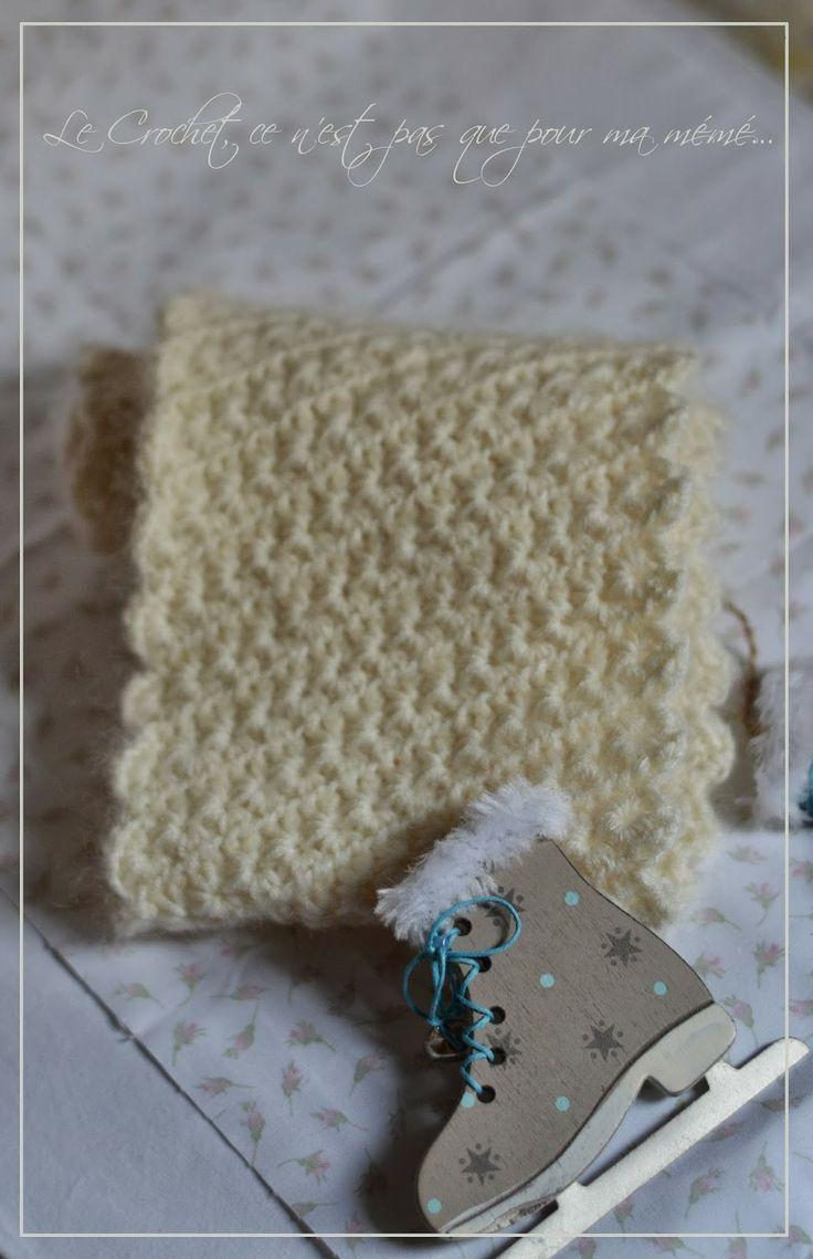 Snood #Crochet http://lecrochetcenestpasquepourmameme.blogspot.ch/2013/11/petit-snood-etoiles.html