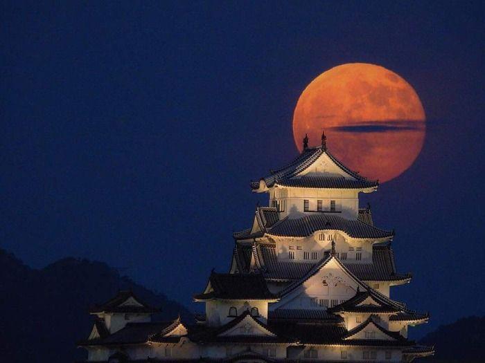 友人が撮った姫路城wwww構図が凄すぎて映画やゲームのワンシーンみたいだwwww|オタクニュース