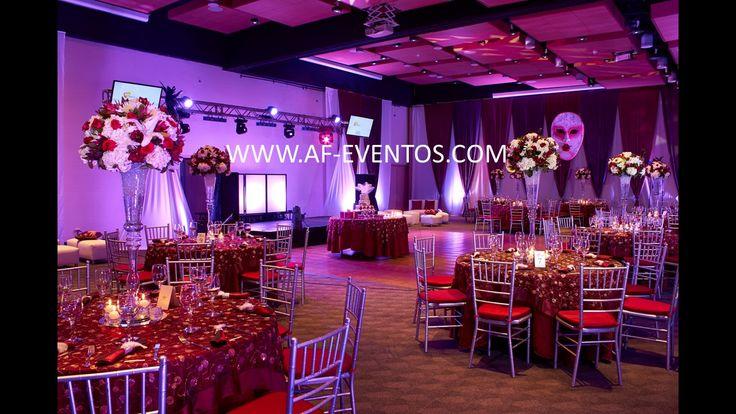 Montaje completo del salón y color de la mantelería Marsala