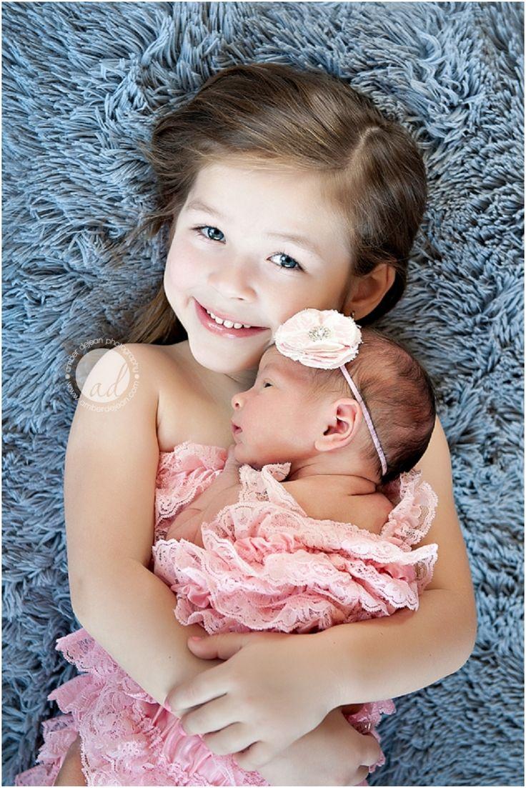 siblings/newborn