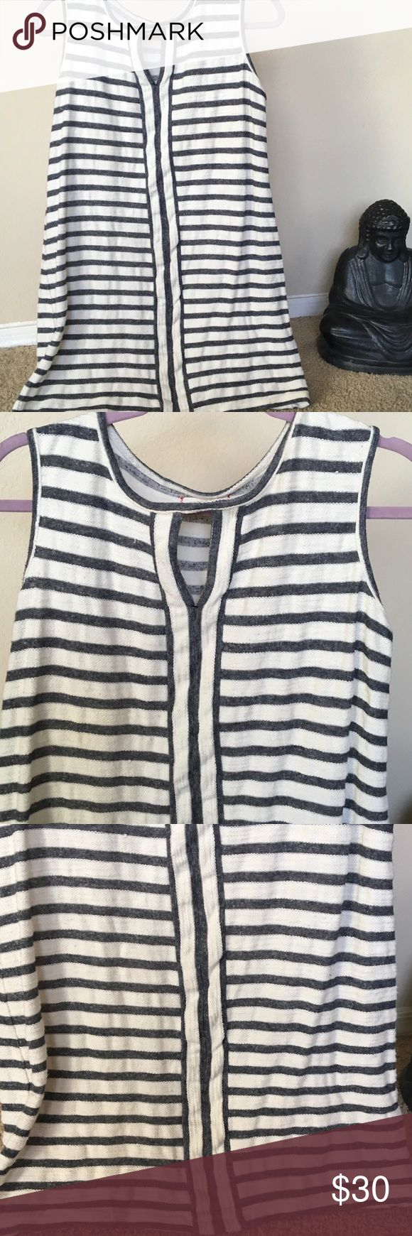 """MAX STUDIO Striped TUNIC TOP Denim grey white👀👀 Wonderful long Tunic for leggings, skinny jeans, bathing suit coverup. Anytime anywhere .Machine washable cotton Poly Blend. Denim grey stripes w white..... see measurments....20 1/2"""" UA-UA.....31 1/8"""" T-B MAX STUDIO WEEKEND💄💄💄 MAX STUDIO weekend Tops Tunics"""