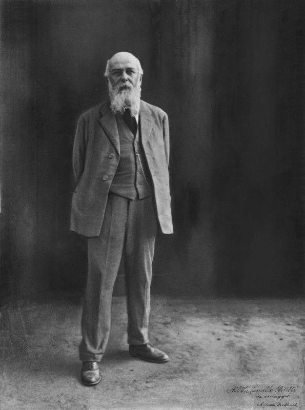 Camillo Olivetti (Ivrea, 13 agosto 1868 – Biella, 4 dicembre 1943) è stato un ingegnere e imprenditore italiano, fondatore dell'azienda Olivetti.
