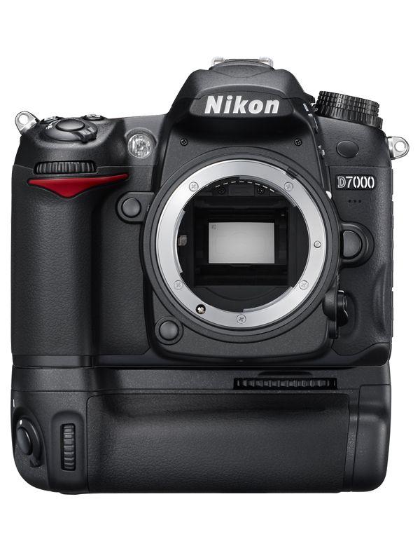Nikon D7000 with MB-D11 Battery Grip