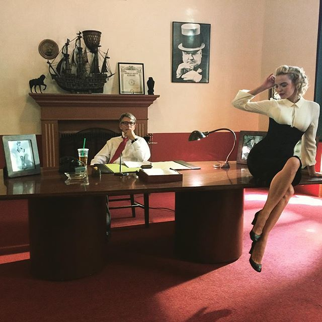 Marina Orlova - With Eric Roberts on the set! We are soothing a new film about Frank Sinatra. 50s are very much my period of time!