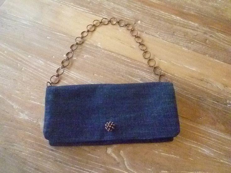 pochette de soir e chic et trendy en jean recycl sacs main par blu vanilla vive les sacs. Black Bedroom Furniture Sets. Home Design Ideas