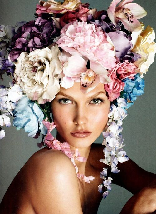 Karlie Kloss Photographed by Steven Meisel for Vogue Italia (Dec 2011)