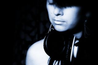 http://www.radiopulso.cl/artist/dj-abe-pizarro
