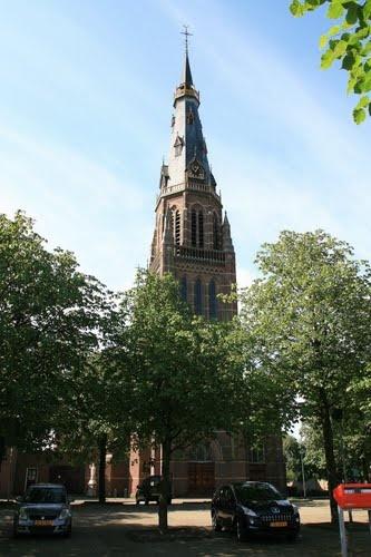 Waalwijk - Loeffstraat 50:  Rk. Kerk H. Clemens