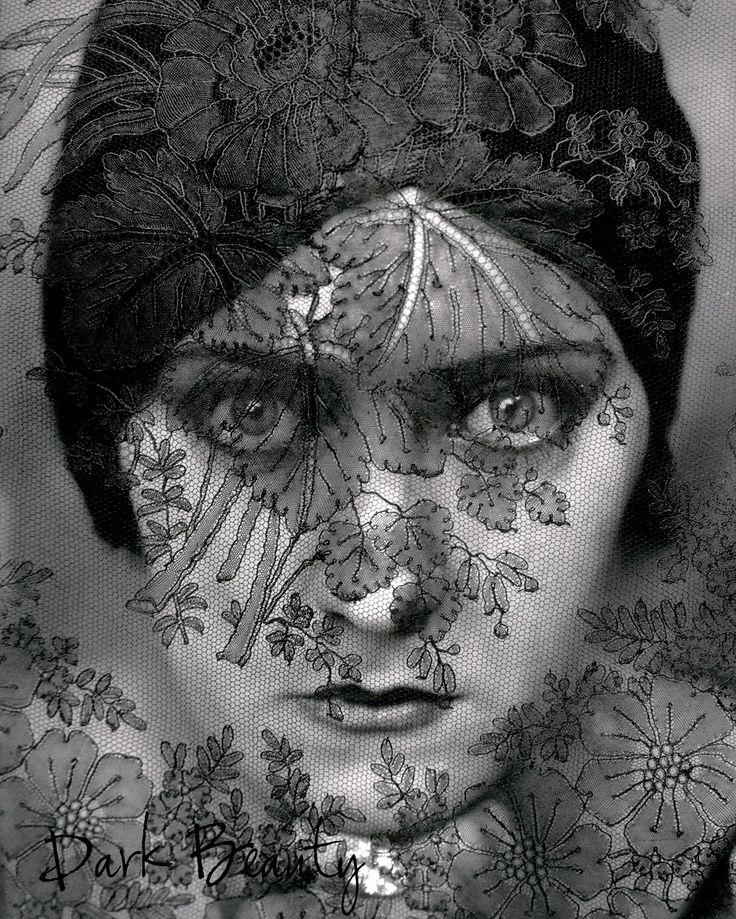 Edward Steichen. Gloria Swanson.
