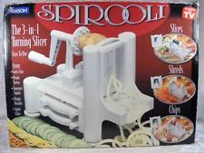 The best Spiralizer reviews Australia. Read our review of the Spirooli spiralizer, The benriner spiralizer and the Paderno spiralizer #spiroolispiralizer #spiralizerreview