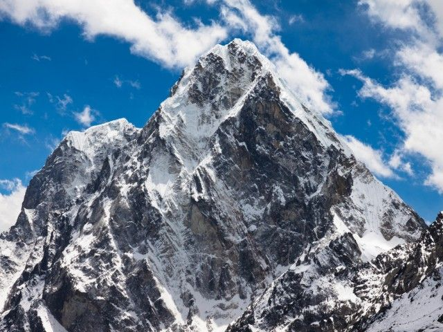 Cholatse (6440m) Beautiful peak.