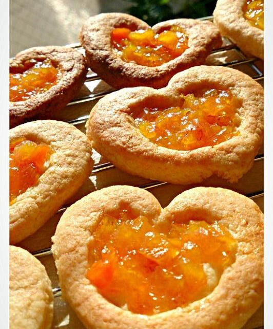 """柿がいっぱいあるけどケーキとか作れないのでクッキーを作りました。 - 65件のもぐもぐ - 柿ジャムクッキー (""""Ü"""")♥*。 by にし★わき"""