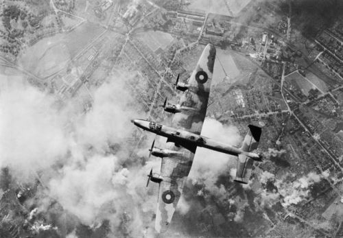 Handley Page Halifax of RAF Bomber Command over the target during a daylight raid on the oil refinery at Wanne-Eickel in the Ruhr, 12 October 1944. Source: http://imgur.com/XIOEC28