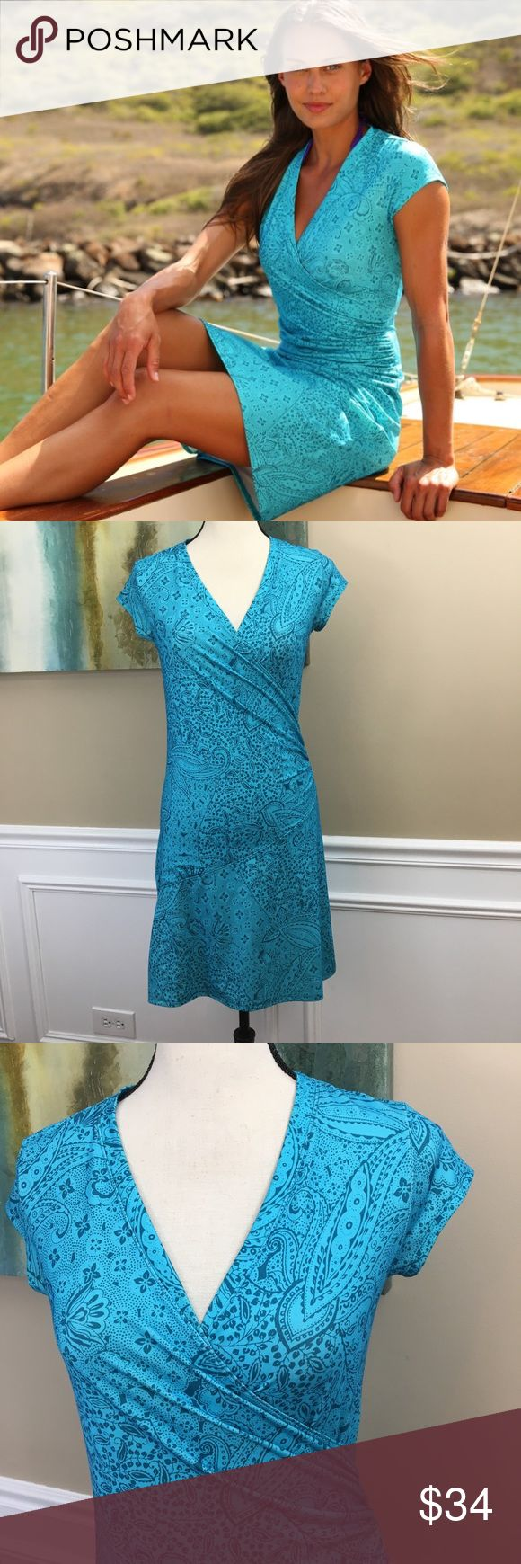 """ATHLETA Printed Nectar Dress XS PETITE ATHLETA Printed Nectar Dress (B20) Tide Blue Fern Paisley Print V-Neck With Faux Wrap Front Look With Ruched Side Super Soft Lightweight 88% Polyester, 12% Lycra Spandex Defined Waist  Women's SZ XSmall Petite MeasurementsLaying Flat Under Arm to UnderArm 16"""" Length 35"""" Athleta Dresses"""
