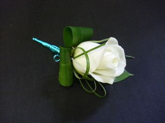 Buttonholes - Corsages - Wrist corsages - Wedding Flowers by Laura
