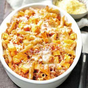 Recept - Ovenpasta met pompoen - Allerhande - KEILEKKER, wij maken een variant met extra stukken zalmfilet en een groentebouillonblokje erbij.