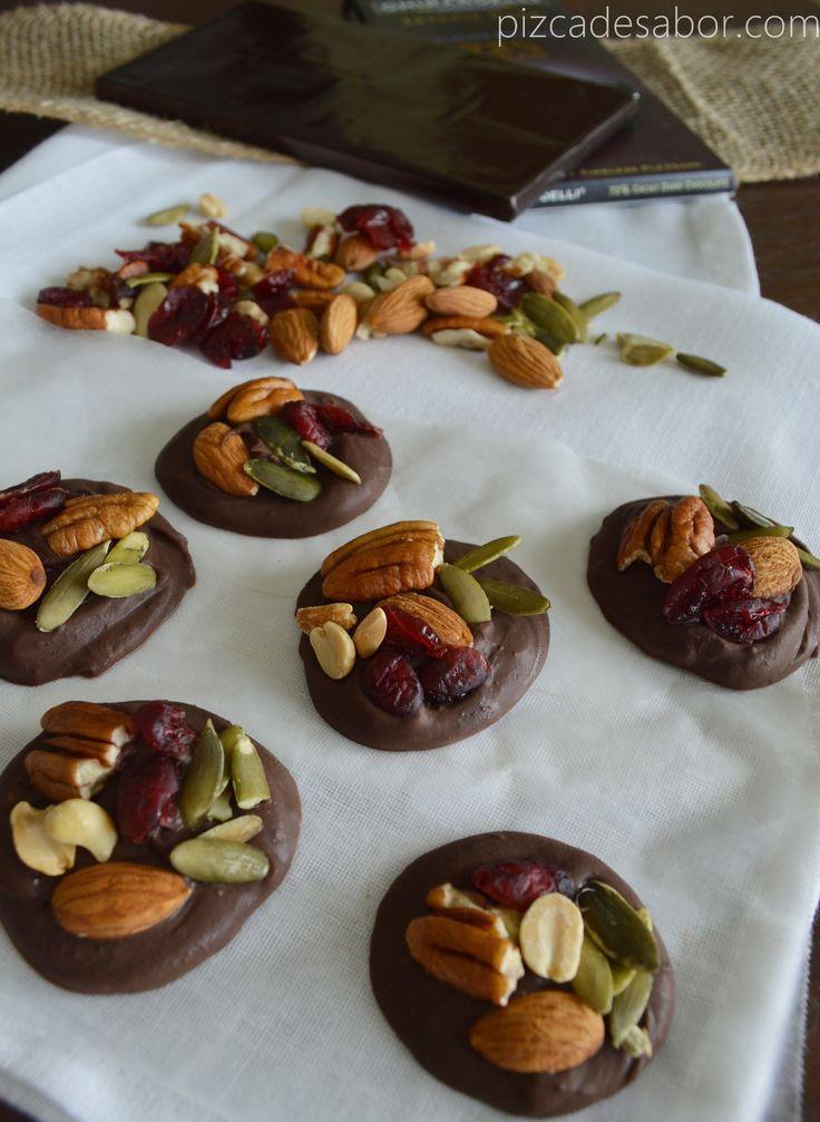Chocolate con frutos secos y arándanos www.pizcadesabor.com