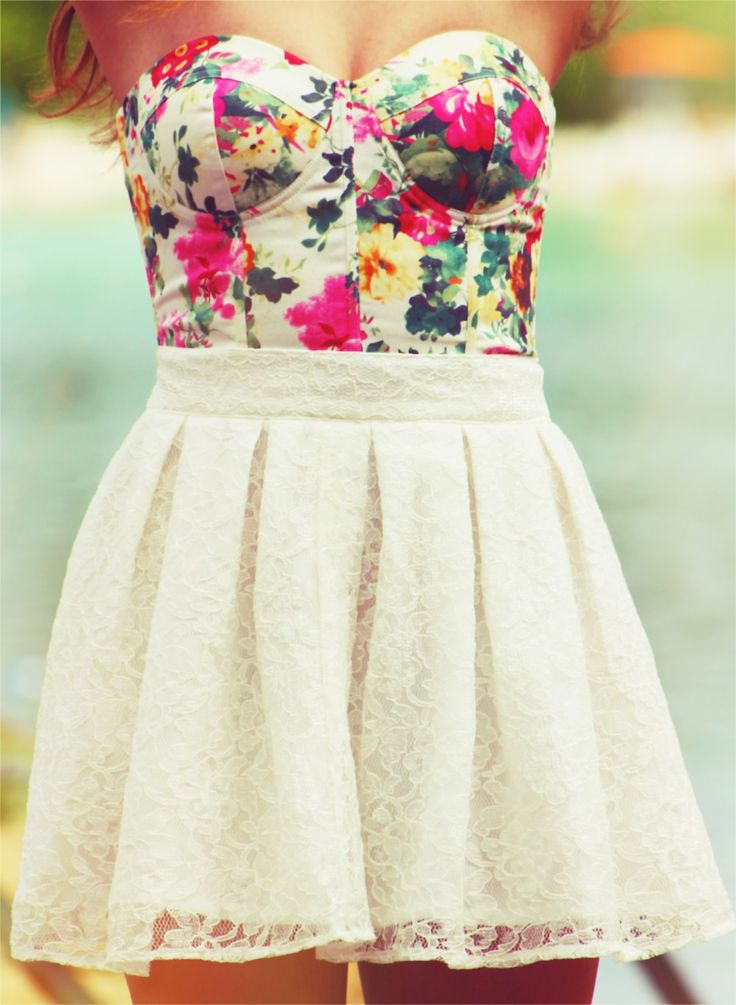 cute spring summer outfit floral bustier lace skirt