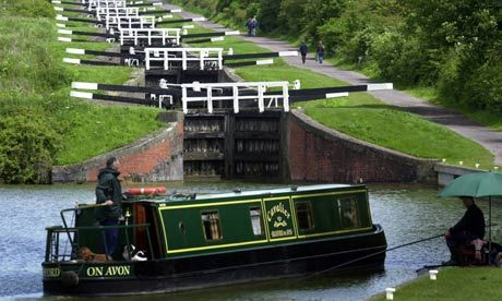 Caen Hill Locks on the Kennet & Avon canal between Rowde and Devizes, Wiltshire - 29 locks in 2 miles with a rise of 237 feet and takes 5-6 hours to navigate.