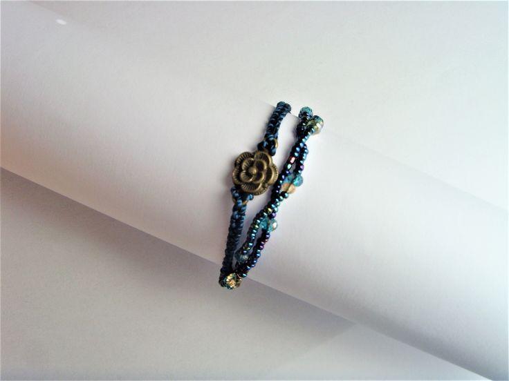 Bracelet Bleu , bracelet perles Bleues dorées et fleur bronze. : Bracelet par crea-mania