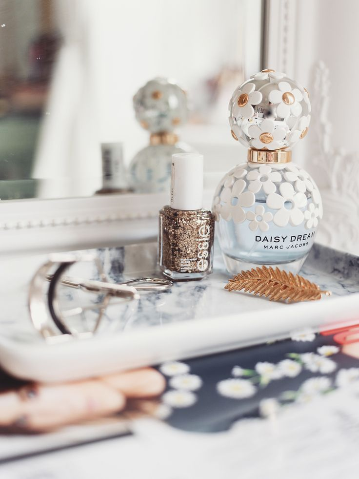 Life is way too short not to have a pretty makeup table! One of the things I get asked most about is how I style and organise my dressing table, so I wanted to put together some tips and tricks for creating the perfect place to carry out your makeup routine… Storage Storage is key if you want an organised dressing table! I have a mix of acrylic storage from MUJI, as well as drawer inserts and dividers – it just makes organising things like eyeliners and lipsticks. I know the whole…