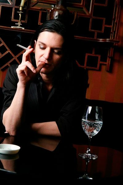 Brian Molko Trip Fontaine, 11.04.2009 (Image From PFWW)