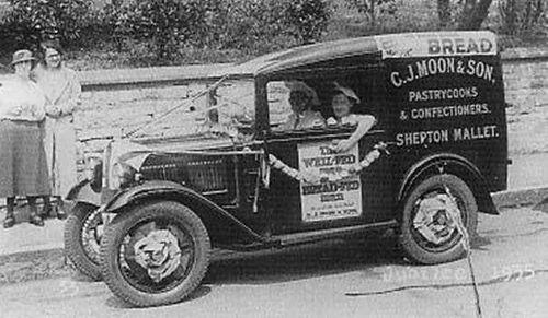1935 C. J. Moon's van, Shepton Mallet, Somerset BA4