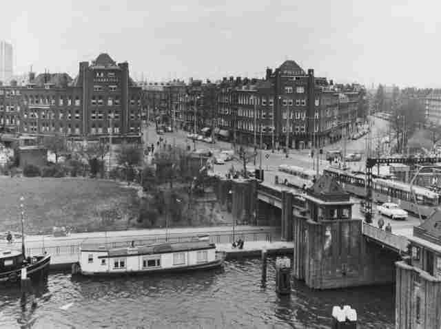 Rotterdam - Mathenesserbrug, met een prachtig zicht op de Schie.