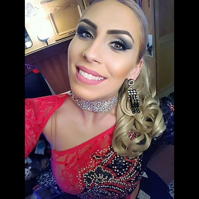 #showgirl #circus #cirque #aerialist #france #makeup #makeuplover #mac #sephora #grimas #revolution #sleek #nyx #essence #nocibe #lancome #makeupforever #costume #sparkle #rhinestones #dancecostume