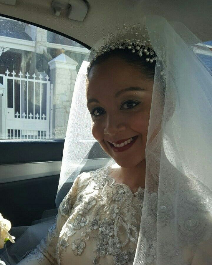 Real bride wearing her bespoke pearl and crystal headband.