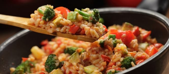 Risotto met kip en broccoli  Smakelijke+risotto+met+kipfilet,+broccoli,+prei,+tomaat+en+kaas.