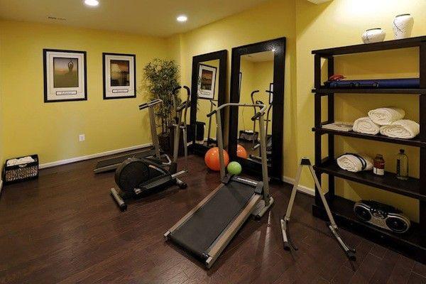 decorating small home gym. small home gym decorating ideas