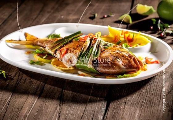 Рыба на гриле – это великолепное блюдо с легкостью заменит мясной стейк! А белоснежные тарелки из серии BBQ Passion обеспечат безупречную подачу к столу! Овальная форма с отдельной секцией для соуса, а также оптимальный размер, обеспечивают высокую функциональность изделия. Все эти достоинства соединила в одном фарфоровом предмете европейская компания «Villeroy & Boch».