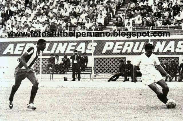 Uno de los famosoz clasicos U vs Alianza Lima. May18, 2015.