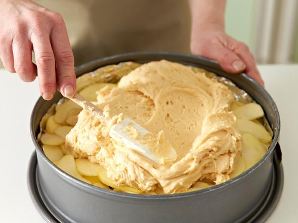Apfel-Walnuss-Kuchen backen – so geht's – Anke Gruener