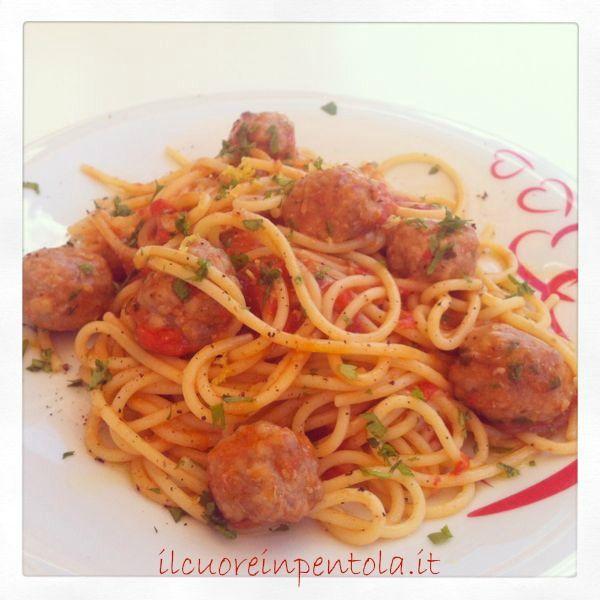 Spaghetti con polpette di carne - Ricette di cucina Il Cuore in Pentola