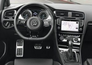 Carro Volkswagen Golf R 2014