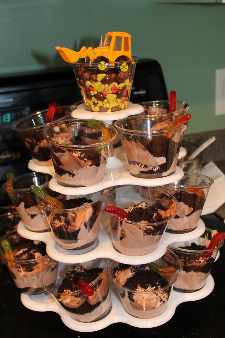 Construction themed dirt cake: worm idea for dirt part of cake