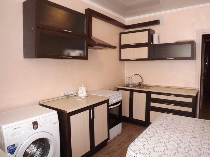 Предлагаем для долгосрочной аренды в Ставрополе  1 - комнатная квартира по адресу Крупской 29,Шоколад, ремонт современный,кухонный гарнитур, шкаф-купе, мягкая мебель, новая мебель, общей площадью 45 кв.м, дом Новый монолит, Крышн.котел отопление, Электро-плита, наличие бытовой техники - стиральная машина (+), холодильник (+), телевизор (+),парковка подземная, номер объявления - 25853, агентствонедвижимости Апельсин. Услуги агента только по факту заключения договора.Фотографии…