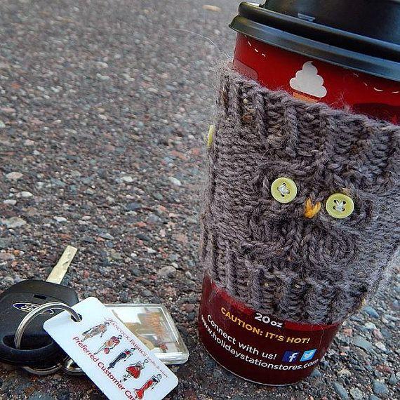 Tricoter sur commande  manchon de tasse à café par SpoolsNLoops