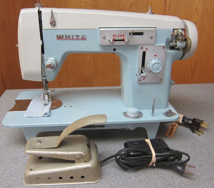 Vintage White Industrial Strength Zig-Zag Sewing Machine 2134 + Owner's Manual…