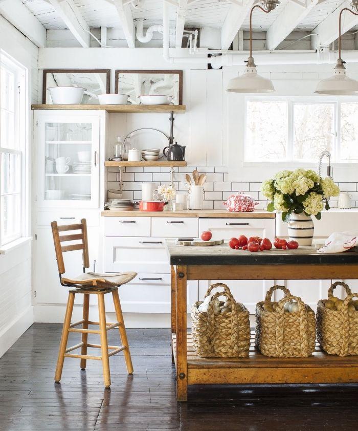 un ilot central table vintage industrielle meuble recupere et transforme en ilot de cuisine fonctionnel