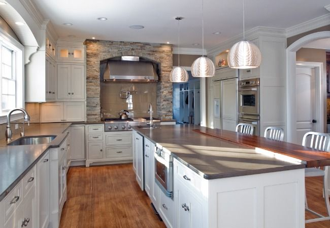 <3 this kitchenKitchens Design, Dreams Kitchens, Kitchens Remodeling, Traditional Kitchens, Colonial Kitchen, Dreams House, Kitchens Ideas, White Cabinets, Kitchen Designs