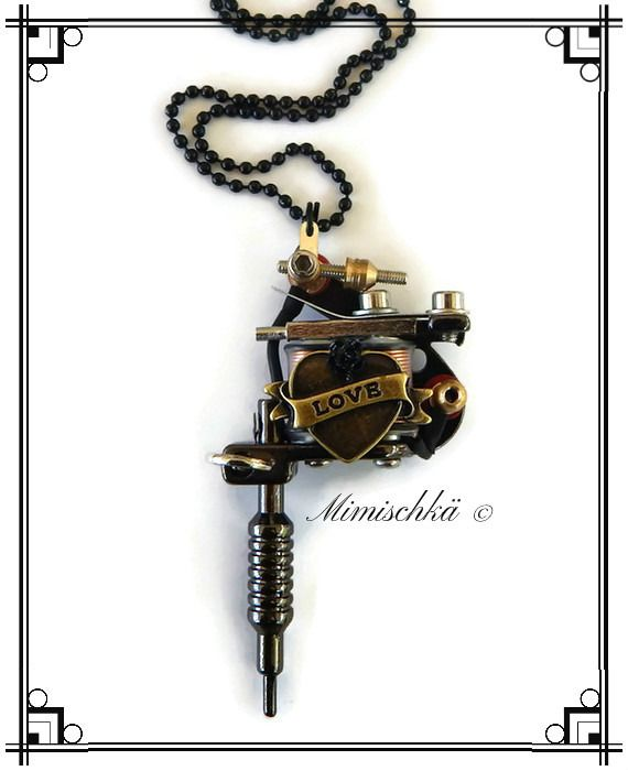Collier pistolet de tatouage dermographe coeur love rose noire : Collier par mimischka